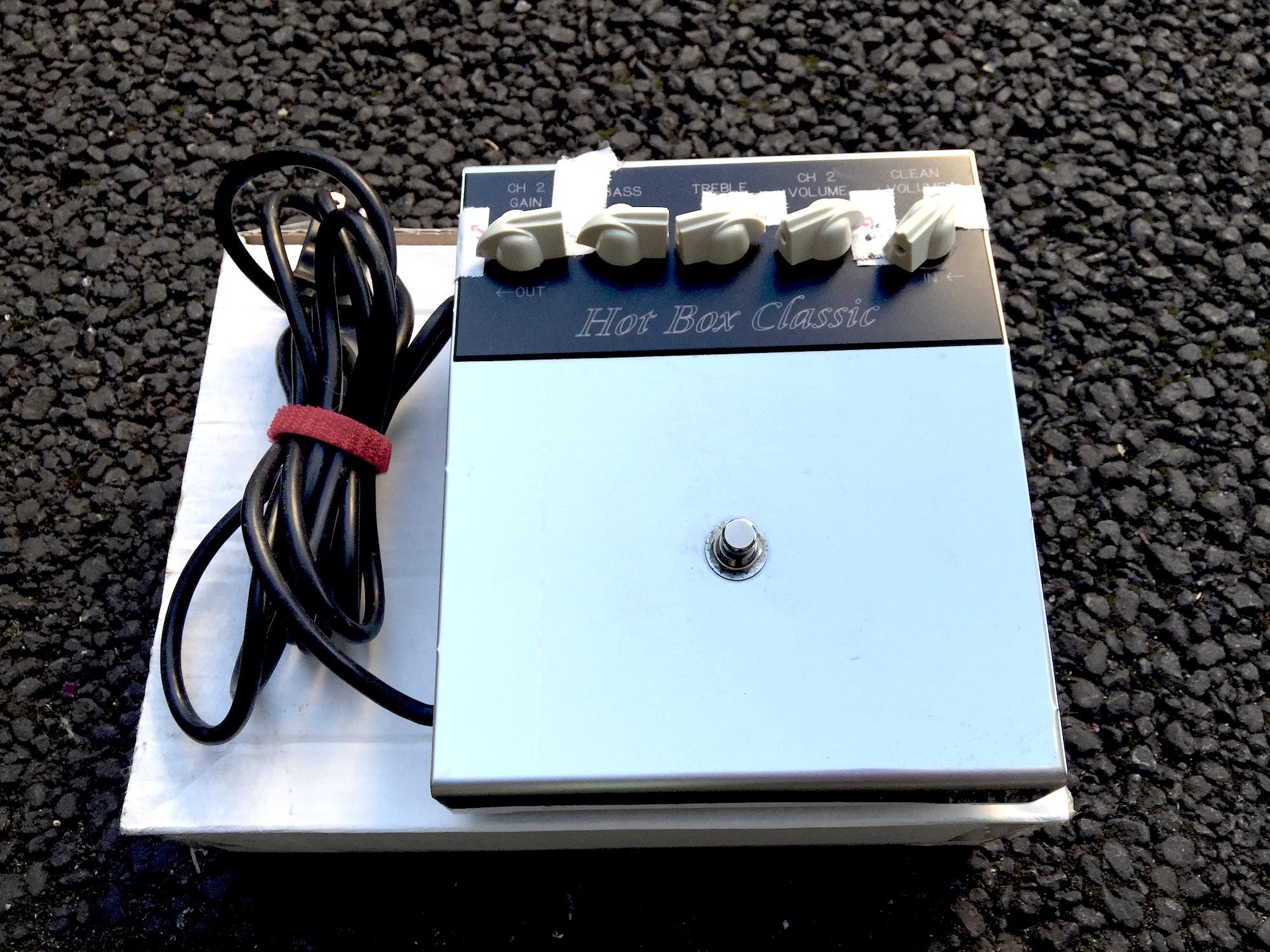 《松木が使用していたエフェクター MATCHLESS HOT BOX CLASSIC》