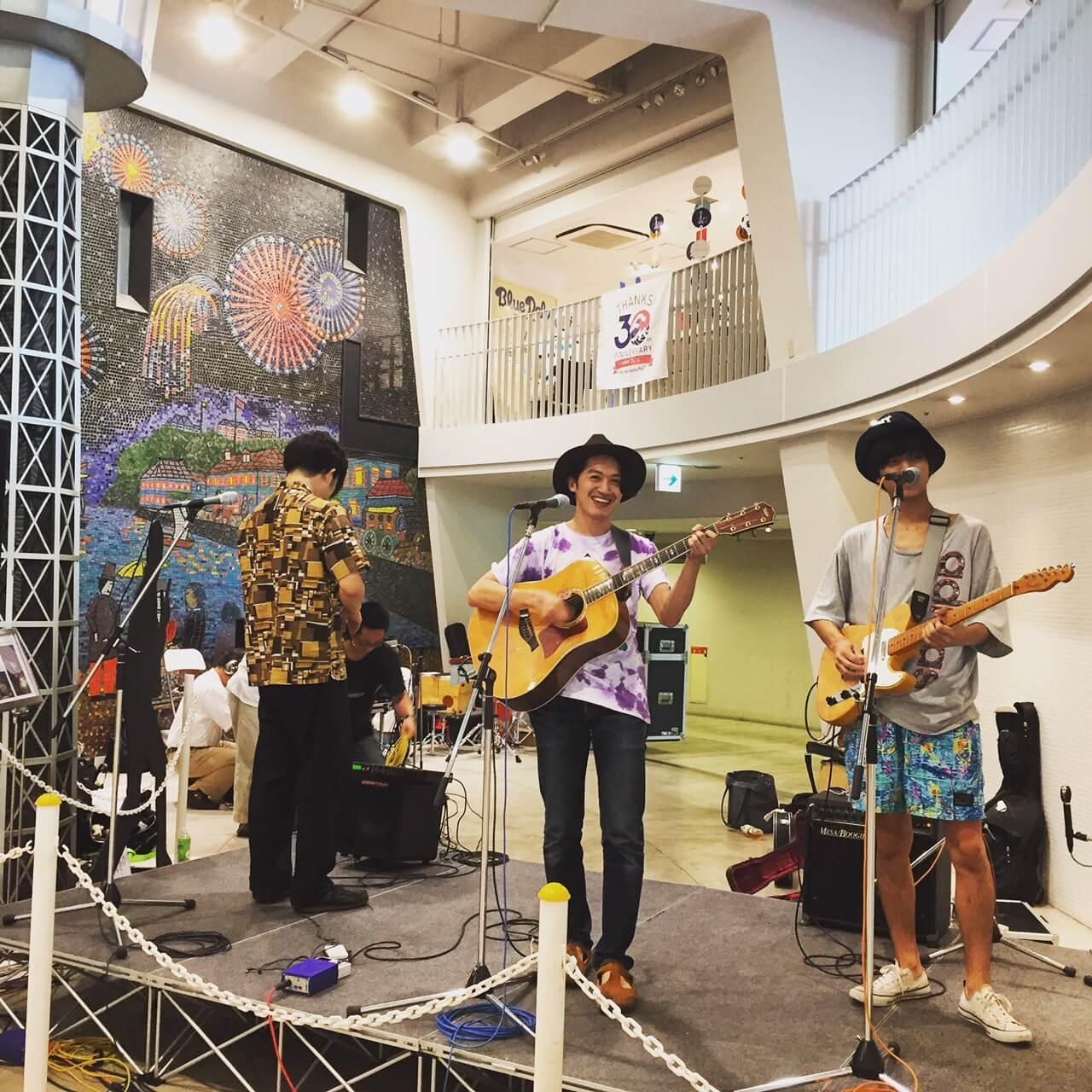 <金田康平、坂本遥、谷崎航大のアコースティックライブ独り占めプラン>