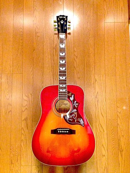 《松木のアコースティックギター オークションプラン》