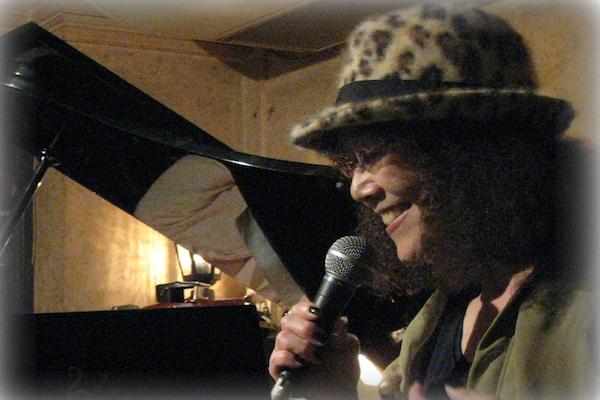 広島のジャズボーカルキャリアNo1野中つたえ(71歳)のライブをより多くの人に伝えたい!